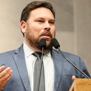 Dep. Wanderson Florêncio defende melhor estratégia para vacinação no estado