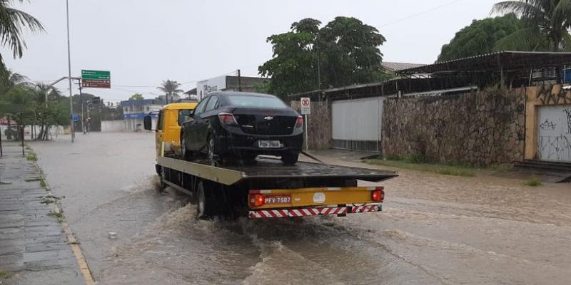 O boletim da Agência Pernambucana de Águas e Clima válido até este domingo (24),alerta sobre a possibilidade de chuva fortes para o Grande Recife e outras duas regiões do Estado