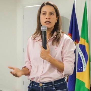 Prefeita de Caruaru tem encontro com vereadores e vereadoras da cidade