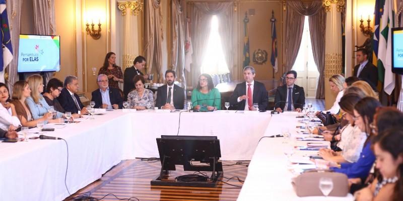 Oencontro aconteceu no Palácio do Campo das Princesas,em que Luciana Santos vem ocupando o cargo interinamente em função de uma viagem do governador Paulo Câmara