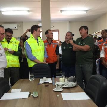 Exército reforça limpeza nas praias atingidas pelas manchas de óleos em Pernambuco