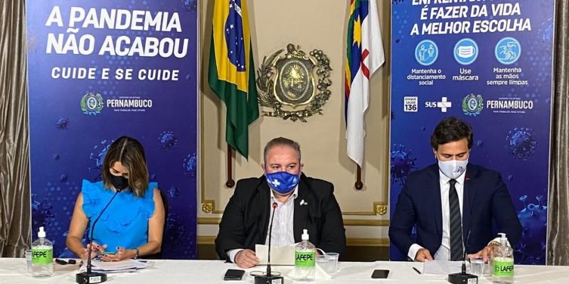 Secretário de Saúde de Pernambuco afirma que outros vírus, além da covid também são responsáveis pelo aumento no número casos de síndrome respiratória aguda grave no estado