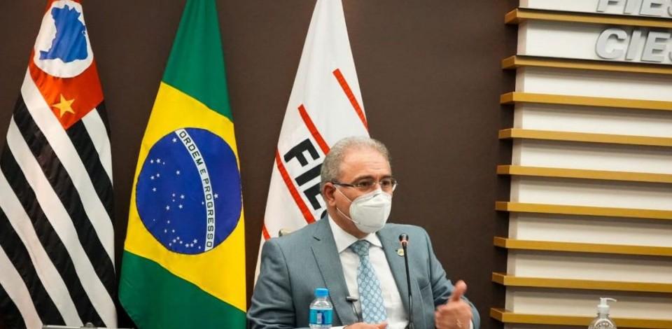 Ministro da Saúde diz que todos os brasileiros devem ser vacinados em 2021