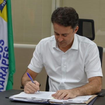Prefeito Anderson Ferreira sanciona lei que isenta pagamento da iluminação pública
