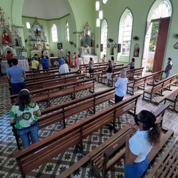 Igreja dedicada a São João tem missa especial no Recife
