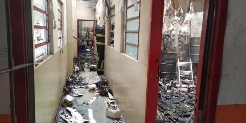 Ainda não se sabe quando a escola profissionalizante Dom Bosco e a agência da Casa Amarela voltam a funcionar