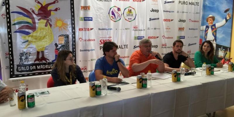 O anúncio foi feito durante coletiva de imprensa, na sede do bloco, no Recife