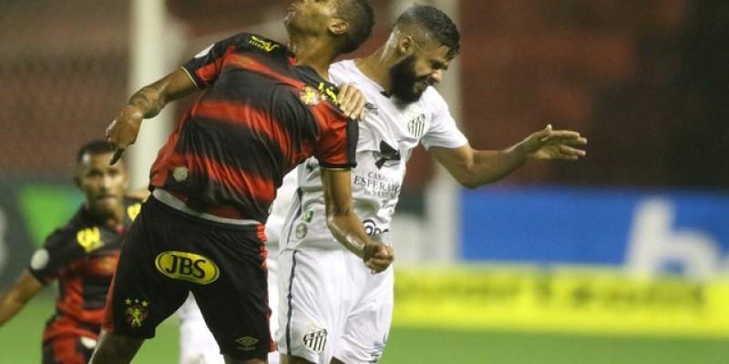 Rubro-negro começou com as melhores chances, fez até um gol no primeiro tempo, mas foi anulado por impedimento, aos 26 minutos. No segundo tempo, o Peixe acertou a rede com Marinho e saiu com a vitória