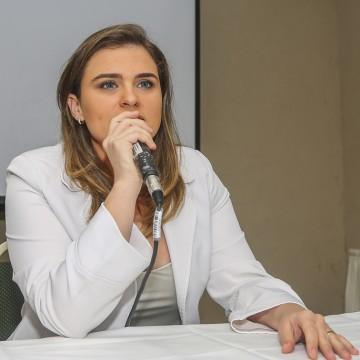 PL de Marília Arraes propõe salário mínimo emergencial para trabalhador