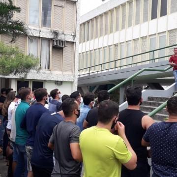 GUARDAS MUNICIPAIS VOLTAM  A PROTESTAR EM CARUARU