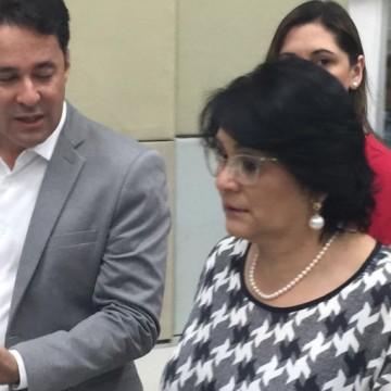 Ministra Damares chega a Jaboatão para implantar programas sociais