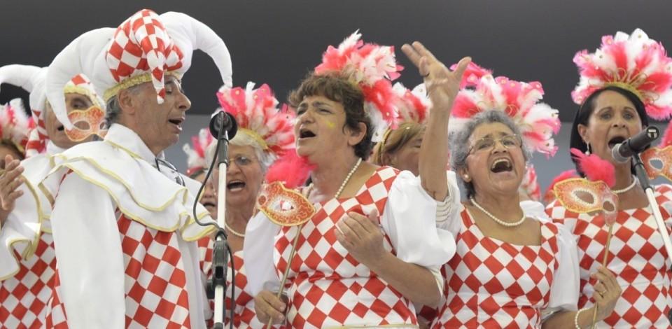 Tem live de carnaval para os idosos do Sesc Caruaru