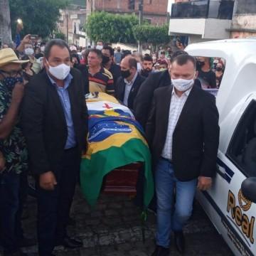 Ex-presidente da Câmara dos Deputados Severino Cavalcanti é enterrado em João Alfredo, Agreste de PE