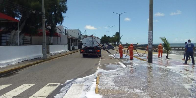 Prefeitura do Paulista também faz higienização de pontos com circulação de pessoas