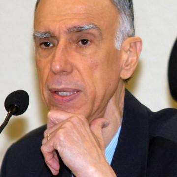 Ex-vice-presidente da República Marco Maciel recebe tratamento em casa para covid-19