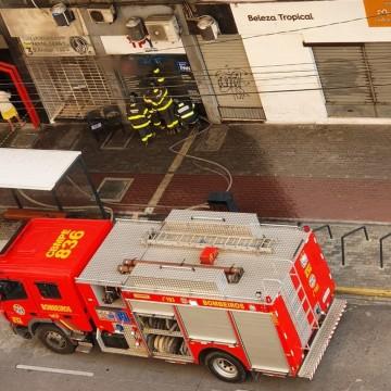 Incêndio destrói loja localizada no Centro do Recife