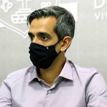 Fábio Aragão defende política de vacinação para pessoas que trabalham na linha de frente no Polo de Confecções