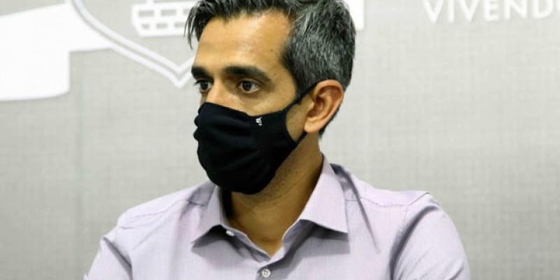 O prefeito de Santa Cruz do Capibaribe também avaliou a gestão do governo do estado