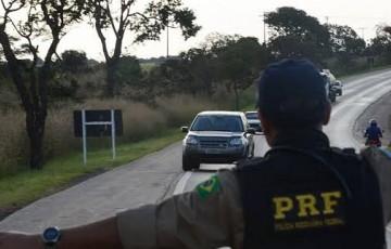 PRF recupera carro roubado em Caruaru