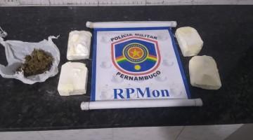Cavalaria prende mulher com 1kg de cocaína em pacotes de flocos de milho
