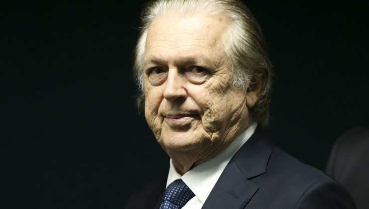 PF faz buscas em endereços do presidente do PSL, Luciano Bivar