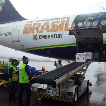 Chega a Pernambuco mais de 62 mil doses do imunizante contra a covid-19 da Janssen