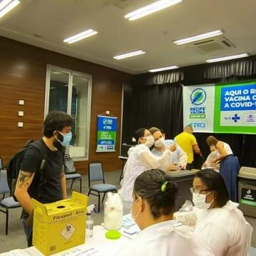Recife anuncia nova ampliação da vacinação contra covid-19 para pessoas a partir de 34 anos