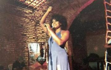Alto do Moura recebe cantora Maéve Oliveira