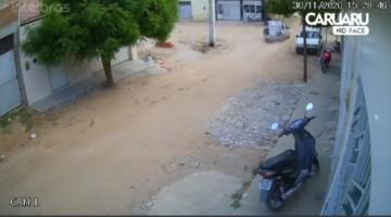 HOMEM FICA FERIDO APÓS MOTO COLIDIR COM CAMIONETE EM SCC, AGRESTE DE PE