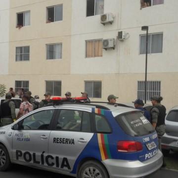 Homem é preso por organizar festa em condomínio