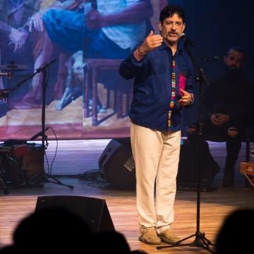 Jessier Quirino se apresenta em Caruaru com o novo show