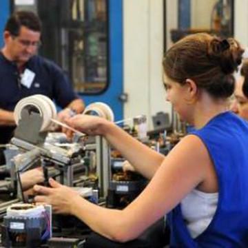Metade das indústrias do País sofre com falta de trabalhador qualificado
