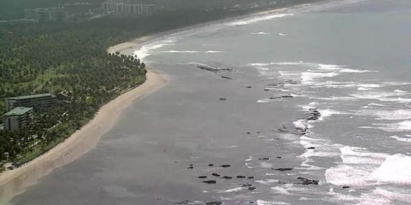 A Capitania alerta também para ressaca com ondas de até 2,5 metros de altura na faixa litorânea