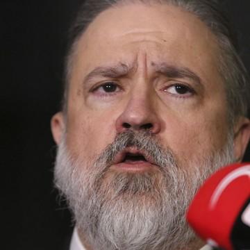 Subprocurador Augusto Aras faz peregrinação pelo Senado
