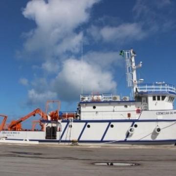Laboratório Flutuante atraca no Porto do Recife