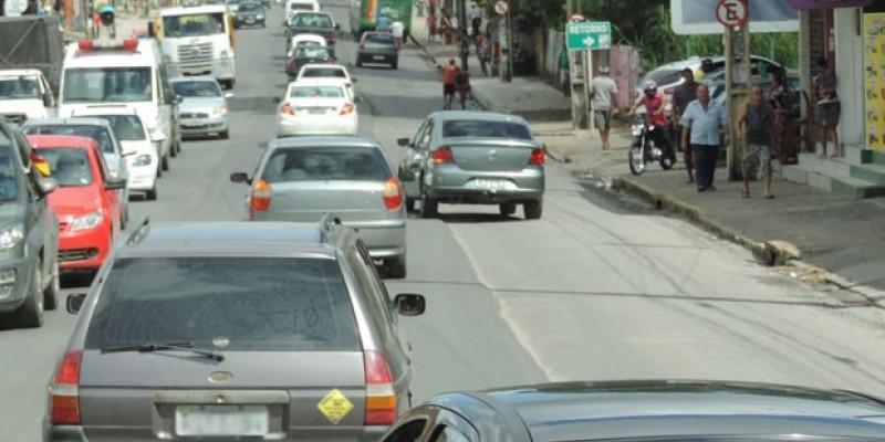 A colisão ocorreu por volta das 3h40 na Avenida Belmino Correia, no bairro de Santa Mônica
