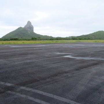Aeroporto de Fernando de Noronha é fechado para turistas