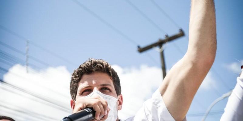 Com 27 anos, João é o mais  jovem da história a ocupar o cargo na cidade