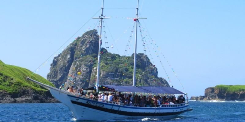 Não havia passageiros no momento do acidente, apenas cinco tripulantes, que foram resgatados com vida