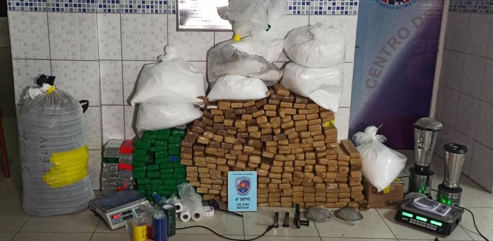 POLÍCIA MILITAR FAZ MAIOR APREENSÃO DE DROGAS DE CARUARU