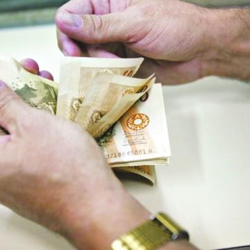 Pagamento de 13º salário de servidores deve aquecer a economia