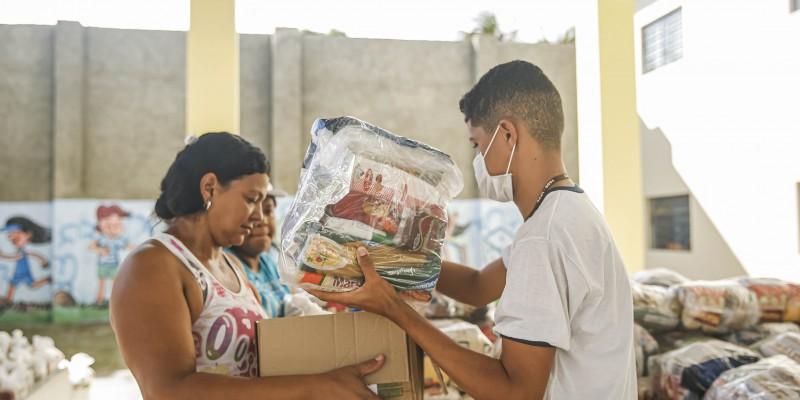 Segundo a gestão municipal, desde o início da pandemia da Covid-19 foram entregues mais de 5 milhões de kg de insumos a mais de 90 mil alunos