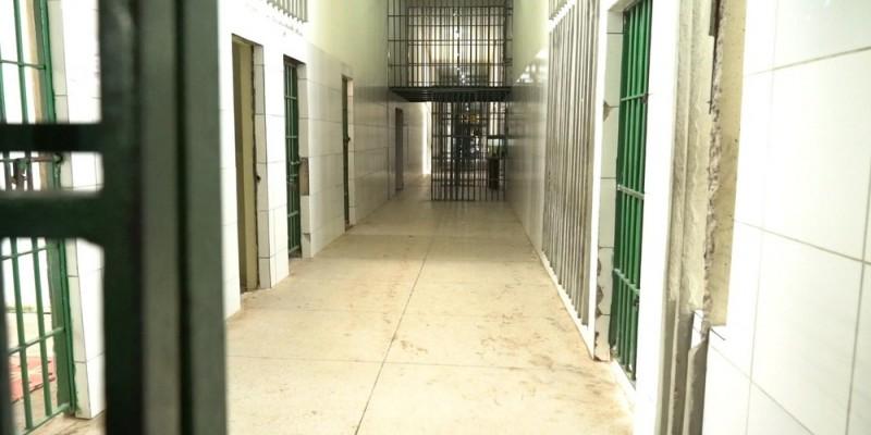 Presídios e penitenciárias, a medida é válida para todas unidades no estado até o dia 15 de junho. Já para a Funase, será válida até o dia 6 de junho