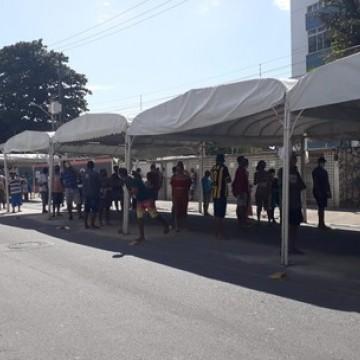Pagamento de auxílio emergencial e FGTS provoca filas na RMR