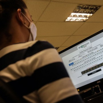 Governo divulga datas para pedir isenção de taxa de inscrição no Enem