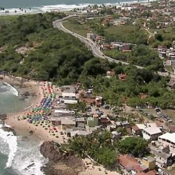 Cabo de Santo Agostinho restringe transporte turístico e comércio para evitar aglomerações nas praias