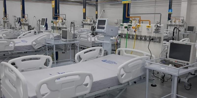 Segundo a Central de Regulação de Leitos do estado, nesta quinta-feira (18) havia três crianças, quatro recém-nascidos e 217 adultos com Síndrome Respiratória Aguda Grave (Srag) aguardando vaga