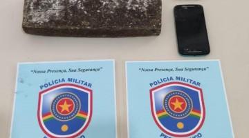 PM APRRENDE QUASE 3KG DE MACONHA; DUAS PESSOAS SÃO DETIDAS
