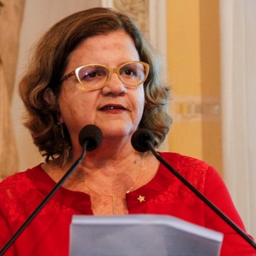 Deputada Teresa Leitão (PT) explica importância de documento aprovado na ALEPE visando retorno seguro das aulas