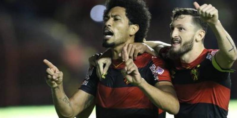 Com gols de Marquinho e Hernane, o Leão venceu mais uma e ultrapassou o Atlético-GO